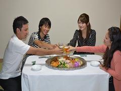 【家族同室】夕食は部屋食で決まり☆オードブル付き! 素泊まり